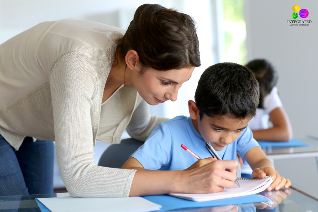Smart Ways to Make a Positive Relationship with Your Child's Teacher | ilslearningcorner.com #parenteacher #parentteacherconference